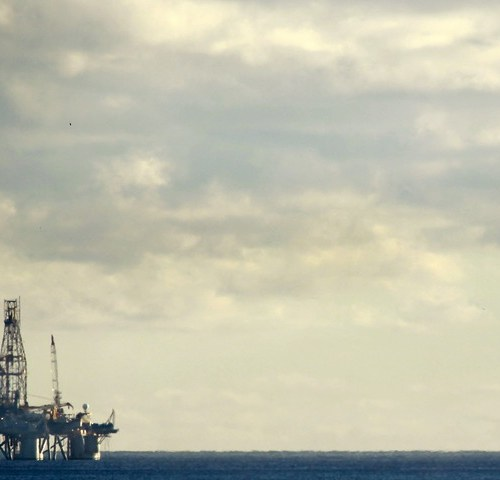 Oil steadies, recovery stunded by European lockdowns, US stockbuild