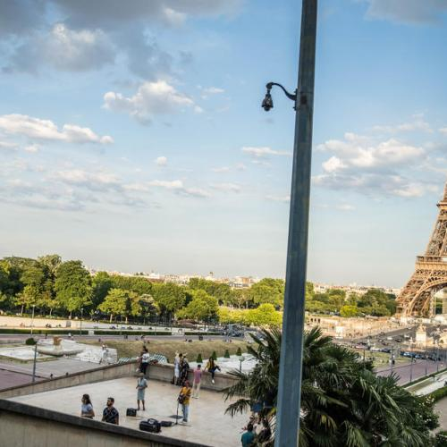 France's debt burden hits record in 2020 but comes in below govt expectations