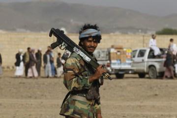 Saudi-led coalition pounds Houthi military sites in Sanaa