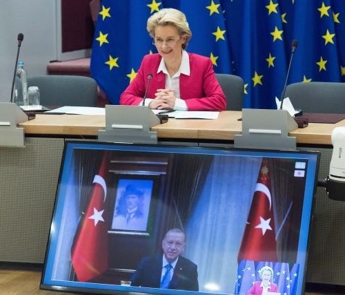 Turkey's EU candidacy must be suspended if no change, EU lawmakers say
