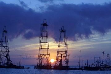Azerbaijan's January-June oil output falls to 17.2 mln tonnes