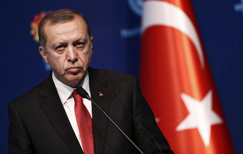 UPDATE – Turkey to expel U.S. envoy and nine others, Erdogan says