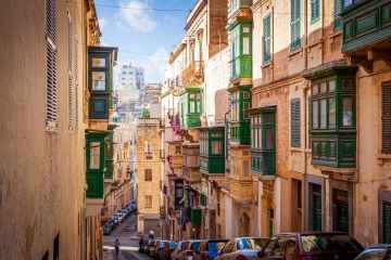 Malta registers 30,000th coronavirus case / Malta News Briefing – Monday 19 April 2021