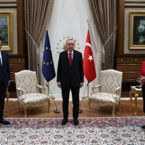 UPDATED: 'Diplomatic fiasco' after Ursula von der Leyen relegated to sofa by Erdogan, President Michel clarifies