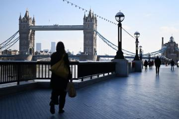 Britain shows fledgling signs of economic recovery