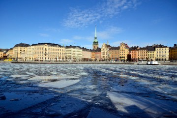 Sweden to bring in banks in next stage of e-krona project