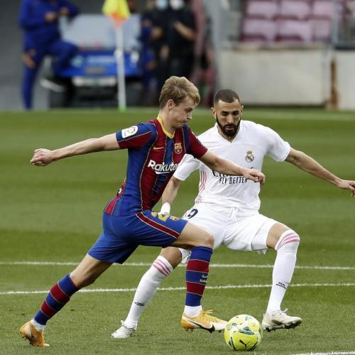 Real host Barca in El Clasico as La Liga title race hots up