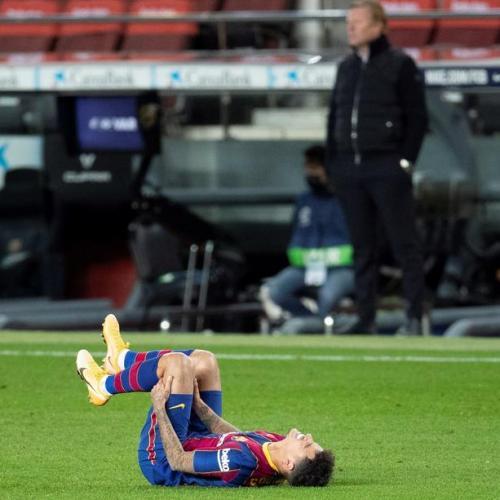 Barcelona's Coutinho has knee surgery