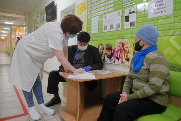Poland to send 650,000 doses of AstraZeneca vaccine to Ukraine