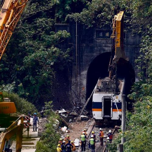 Transport minister to step down over Taiwan train crash