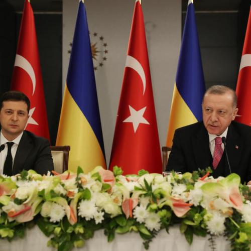 Turkish president calls for peaceful, diplomatic solution to tensions in eastern Ukraine