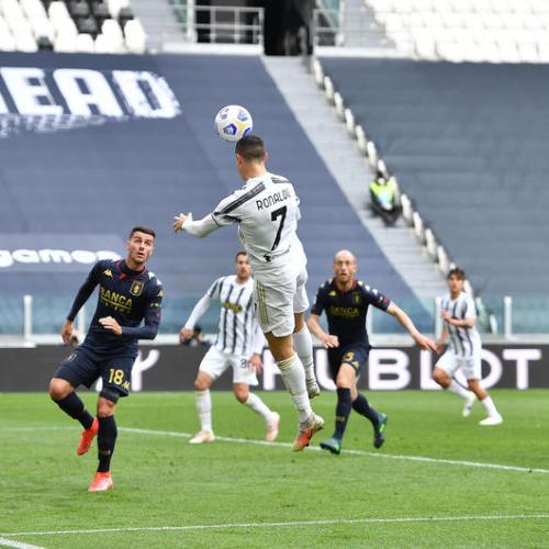 Juve ease past Genoa to keep faint title hopes alive