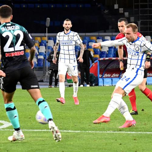 Eriksen earns Serie A leaders Inter point at Napoli
