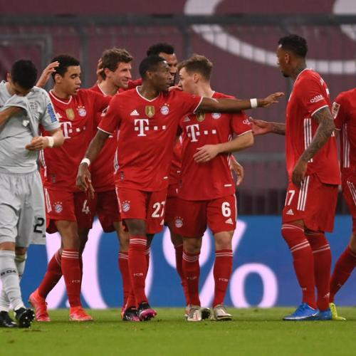 Bayern one win away from Bundesliga title, Schalke relegated