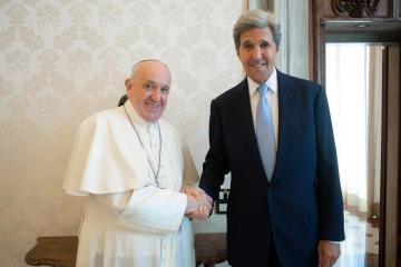 U.S. wants pope to attend climate conference, sway debate