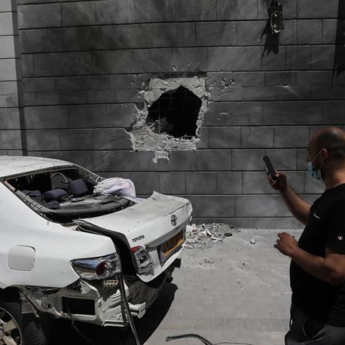 Israel targets Gaza tunnels, Palestinian rocket attacks persist