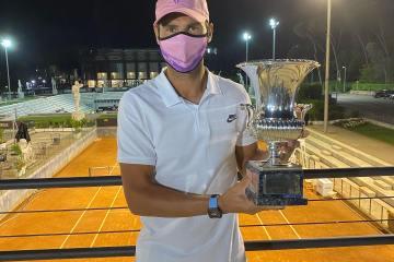 Nadal overcomes blip to scythe down Djokovic in Rome final