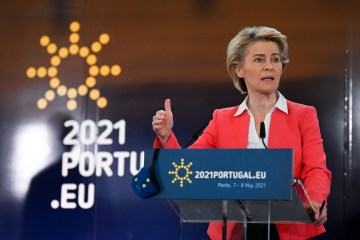 EU governments adopt Porto declaration on jobs, social rights