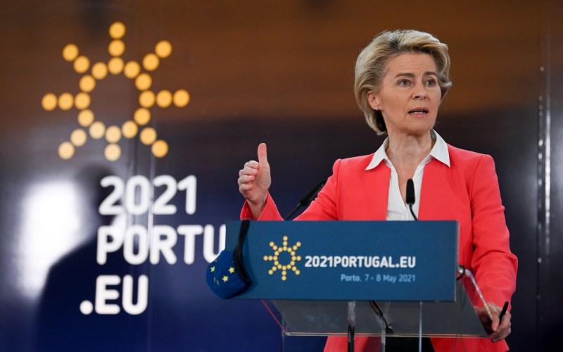 EU governments adopt Porto declaration on jobs, social rights