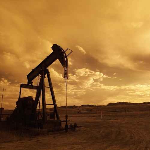 Oil falls for third day on rising coronavirus infections, U.S. stockpiles