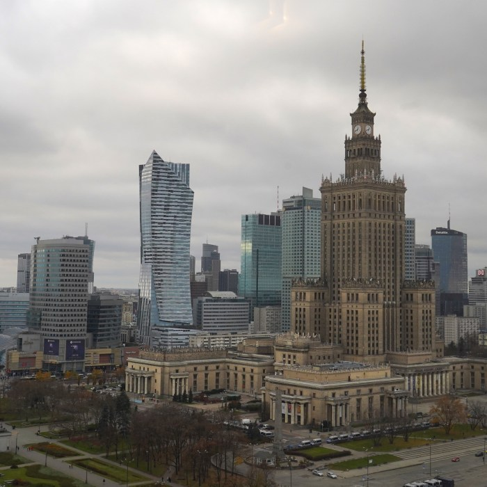 Poland's unemployment rate falls to 5.9% in June