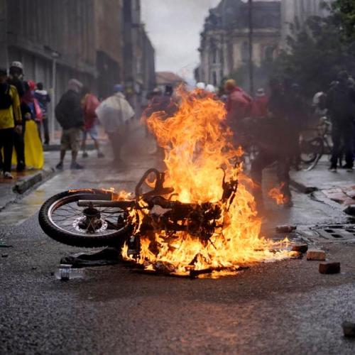 Photo Story – Anti-government protest in Bogota, Colombia