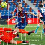 Barca squander lead twice to draw at Levante as title bid fades