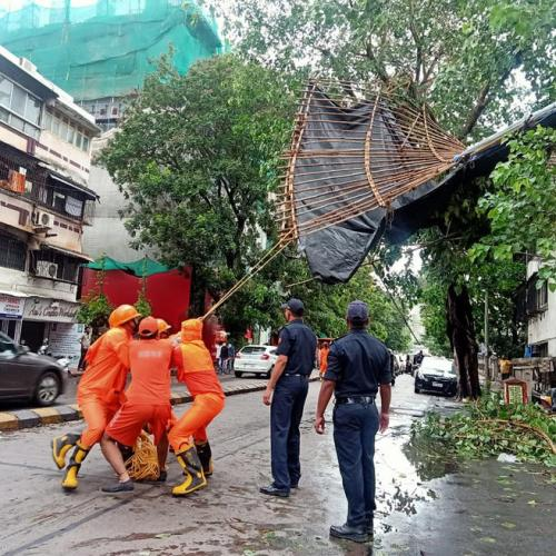 Photo Story – Cyclone Tauktae hits Indian costal line