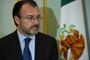 Mexico bans influential ex-minister from holding public office