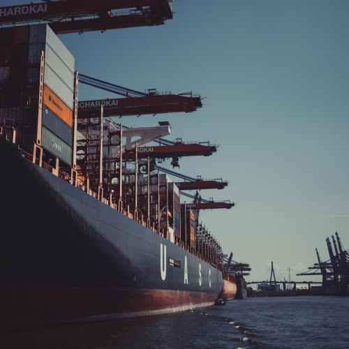 EU presses shipping regulator for tougher carbon reduction standards