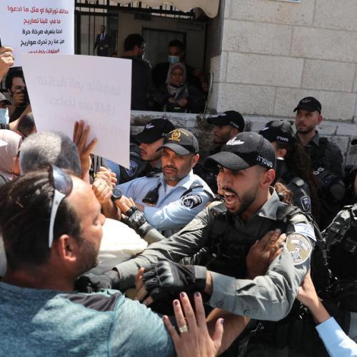 Police, Palestinians clash as Israel begins demolition in Jerusalem's Silwan