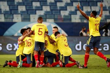Intricate free kick move helps Colombia beat Ecuador