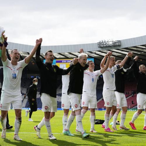 Schick stunner for Czechs leaves Scotland reeling