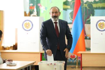 Armenian acting PM's party wins parliamentary election with 53.92% of vote -Ifax cites electoral commission