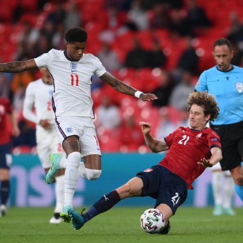 Marcus Rashford 'sorry' for missing penalty in Euro final but says 'will never apologise for who he is'