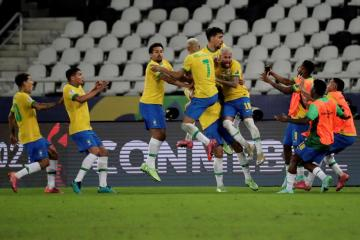Late goal gives Brazil controversial 2-1 win over Colombia in Copa America