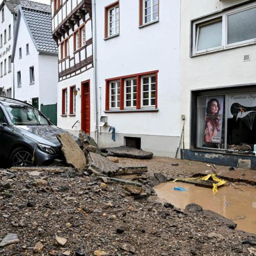 Floods cut power to 200,000 households in western Germany, parts of Rhine closed to shipping