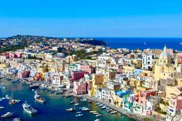 Italy arrests 18 for illegal fishing of protected shellfish in Naples