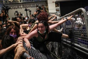 Photo Story – Women protest against Turkey's withdrawal from Istanbul Convention