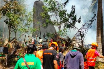 UPDATED: Philippines orders probe after military plane crash kills 50