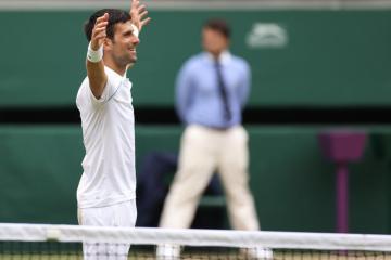 Djokovic beats Berrettini at Wimbledon to tie 20-slams record