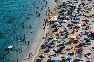 Photo Story – People at the beach in Tropea, southern Italy