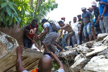 Death toll after Haiti earthquake surpasses 305