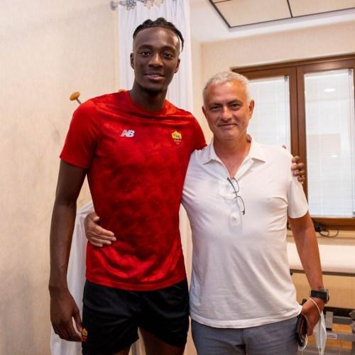 Roma sign striker Abraham from Chelsea