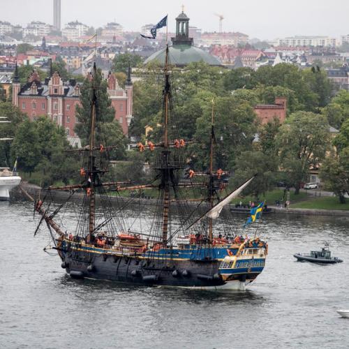 Photo Story: Swedish East Indiaman Gothenburg arrives in Stockholm