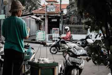 Indonesia project to convert fuel-powered motorbikes to electric