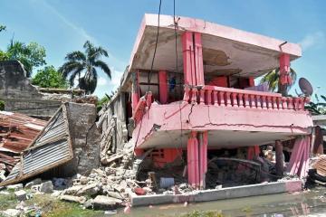 Death toll from Haiti quake hits 724 as tropical storm looms