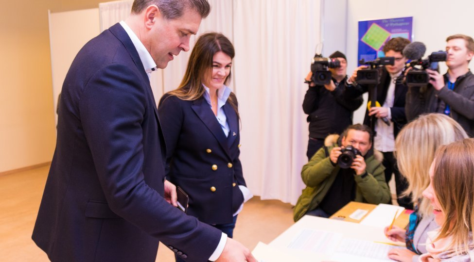UPDATE – Iceland's ruling coalition boosts majority, final election results show