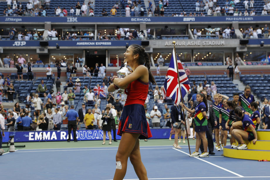 18-year-old Raducanu beats Fernandez to win U.S. Open