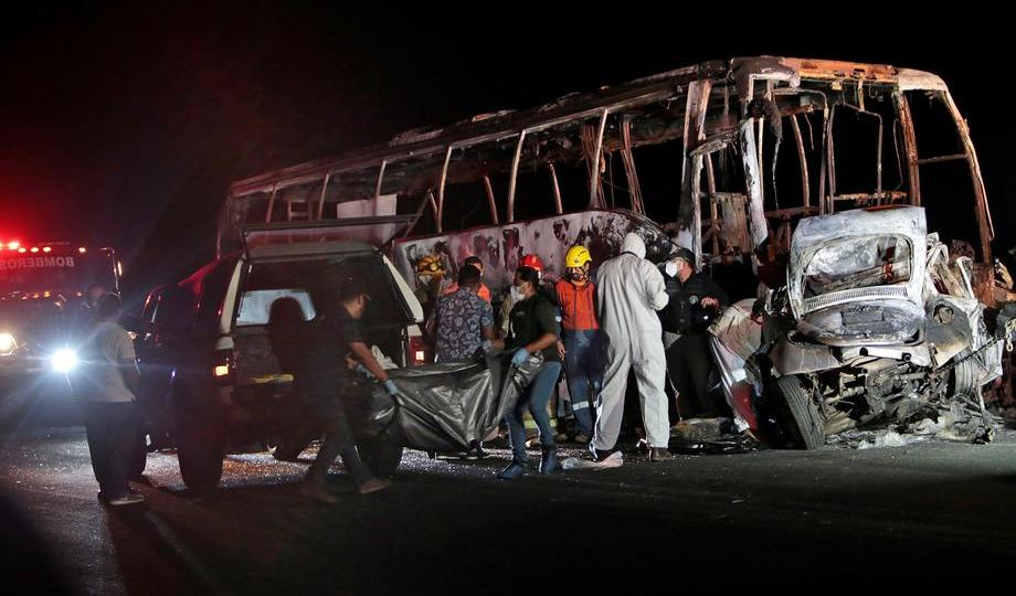 Photo Story – Ayotzinapa Student Bus crashes in the Municipality of Tixtla